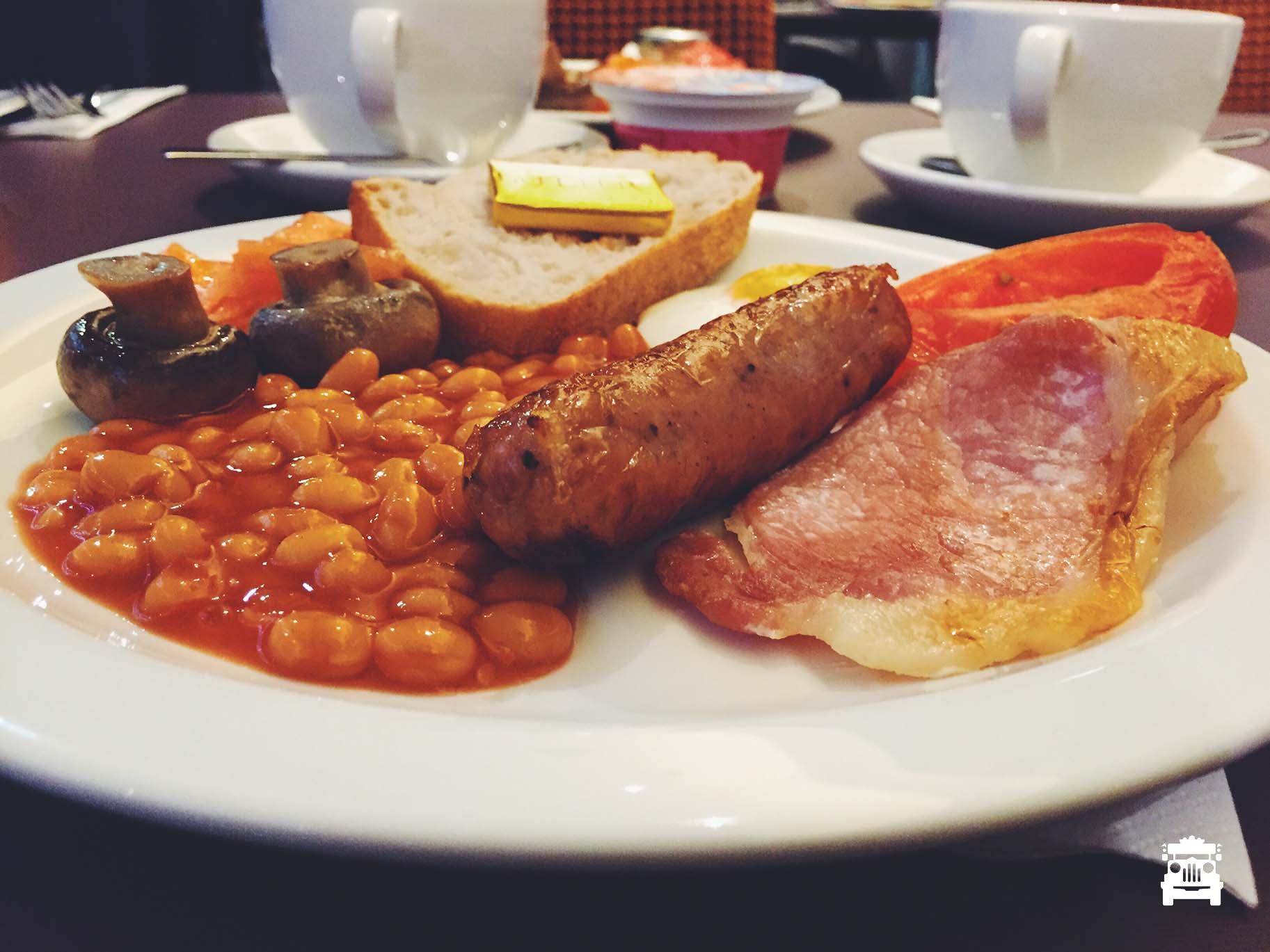 I love buffet breakfast <3