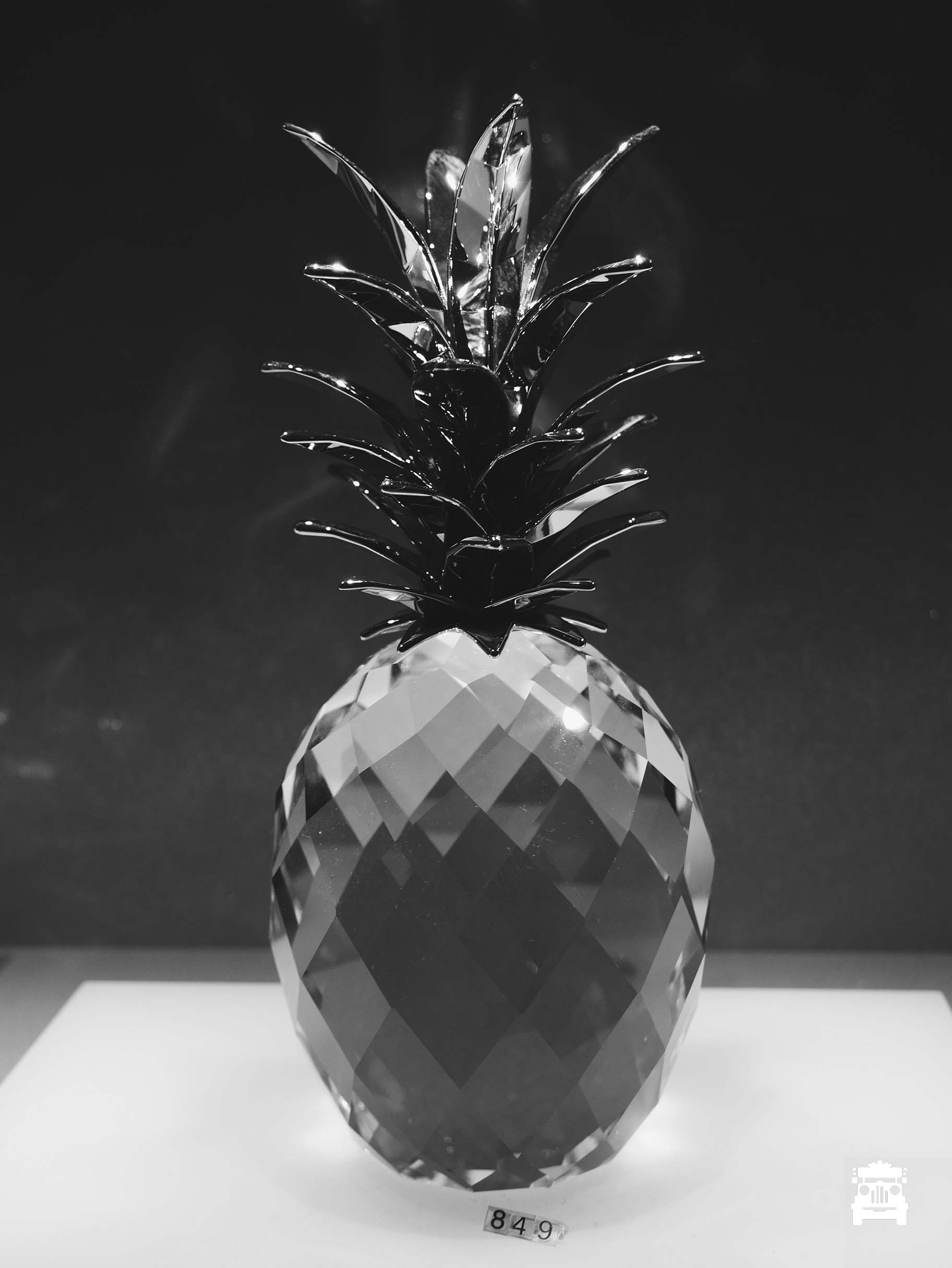 I didn't even take photos of diamonds :S just this crystal pineapple