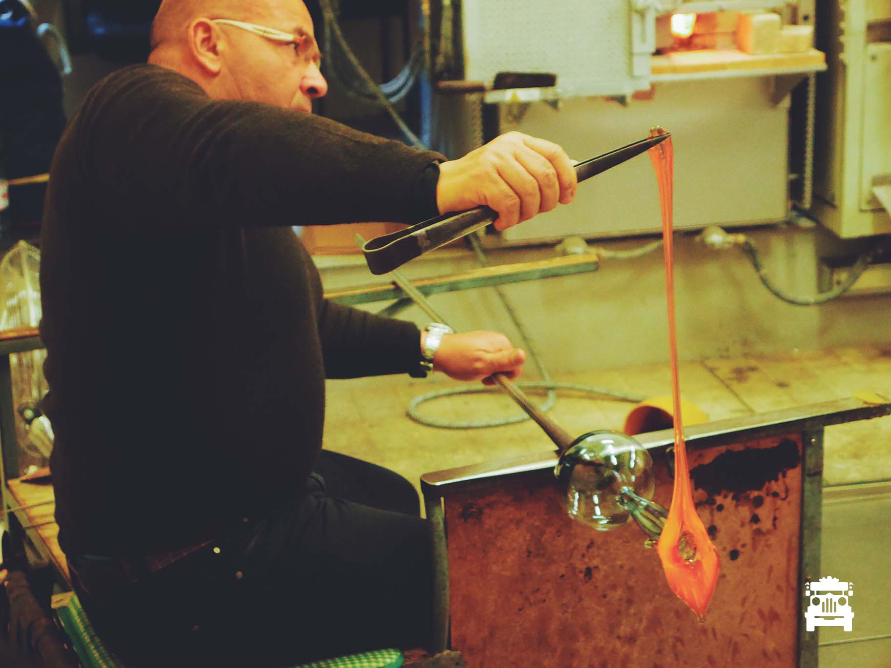 Glass blowing exhibition, amazing!
