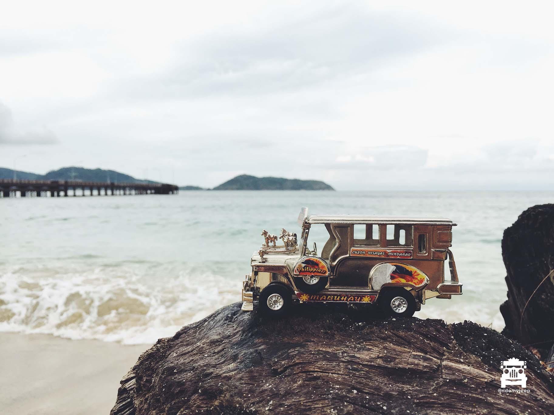 Jeep at Nakalay Beach